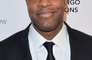 331px-Chris_Tucker_2012